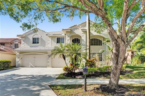 Photo of 3661 Heron Ridge Lane, Weston, FL 33331 (MLS # A11040564)