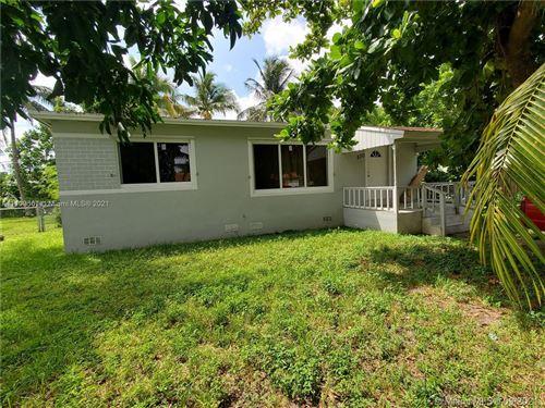 Photo of 570 NE 170th St, North Miami Beach, FL 33162 (MLS # A11109567)