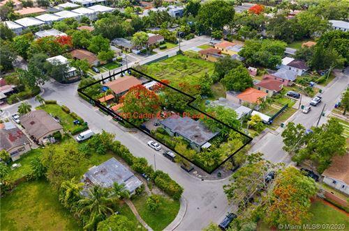 Foto de inmueble con direccion 3101 Plaza St Miami FL 33133 con MLS A10884569