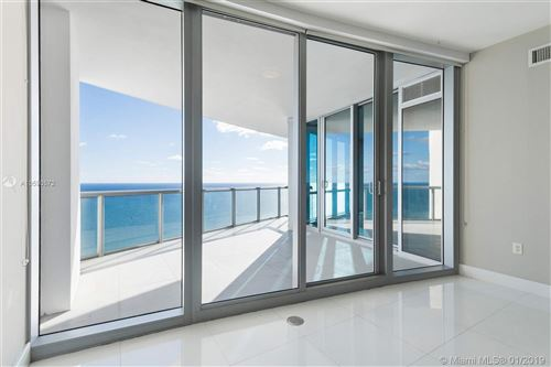 Foto de inmueble con direccion 17121 Collins Ave #4204 Sunny Isles Beach FL 33160 con MLS A10590572