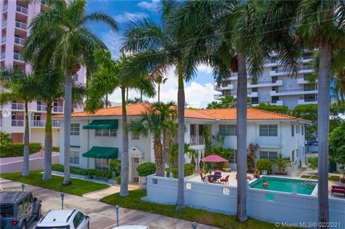 Photo of 719 BILTMORE WY #5, Coral Gables, FL 33134 (MLS # A10978572)