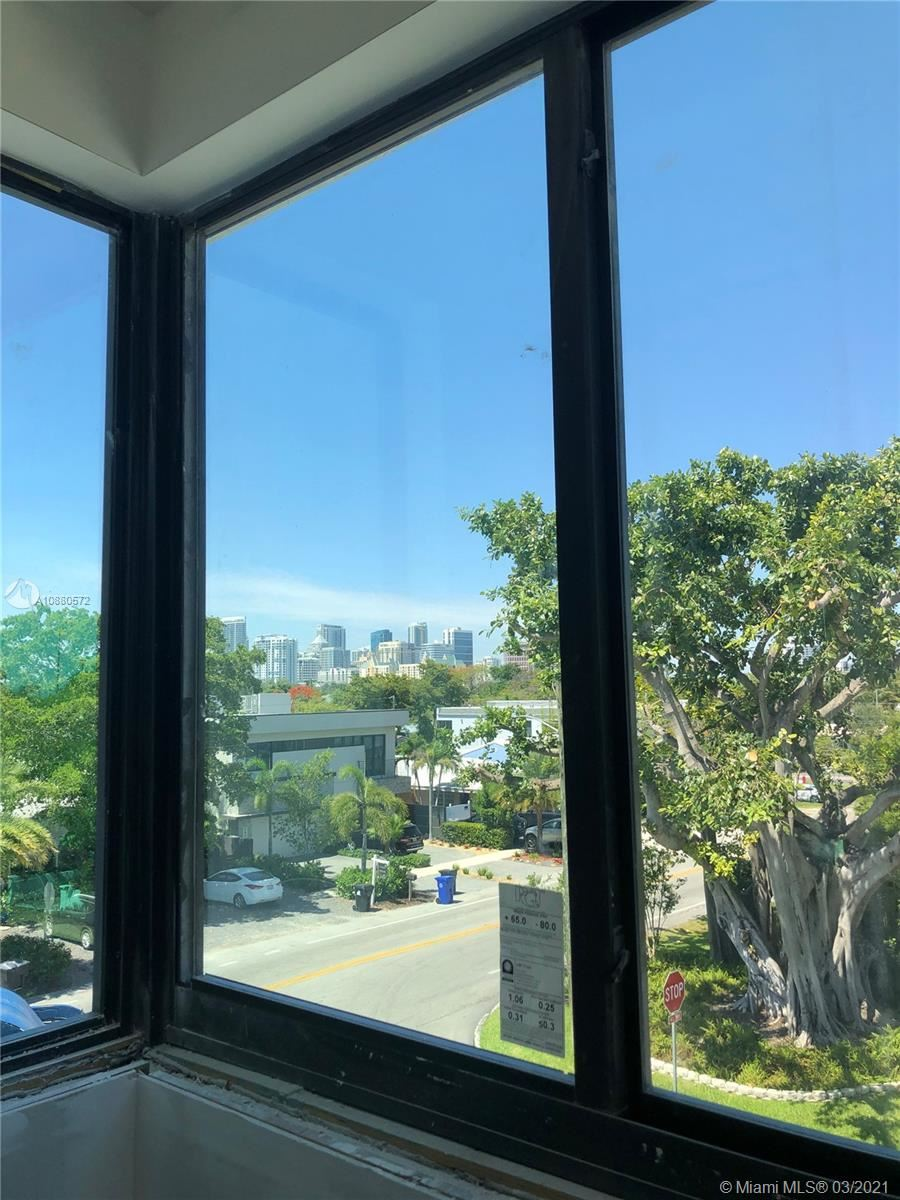 Photo of 604 NE 15th Ave #604, Fort Lauderdale, FL 33304 (MLS # A10880572)