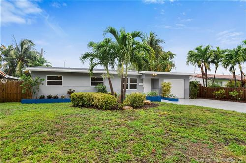 Photo of Listing MLS a10860573 in 1944 NE 26th Dr Wilton Manors FL 33306