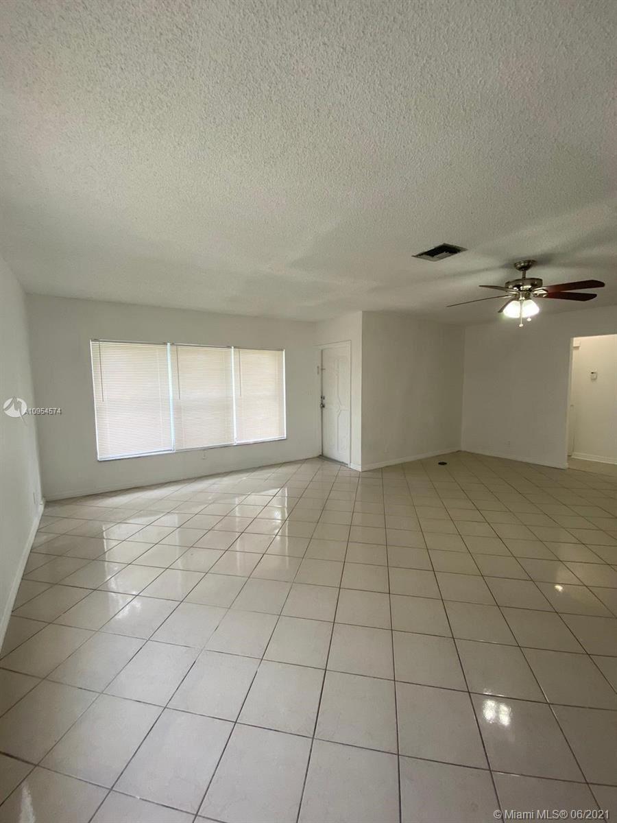 Photo of 175 SW 4th st, Deerfield Beach, FL 33441 (MLS # A10954574)