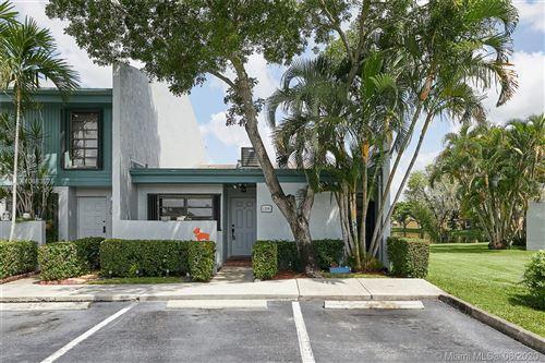 Foto de inmueble con direccion 1296 NW 97th Ave #248 Pembroke Pines FL 33024 con MLS A10883575