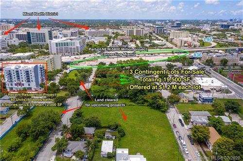 Foto de inmueble con direccion 1337 NW 8th Ave Miami FL 33136 con MLS A10884575