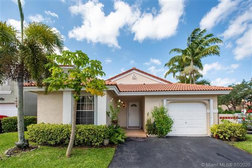 Photo of Listing MLS a10892575 in 1399 Seagrape Weston FL 33326