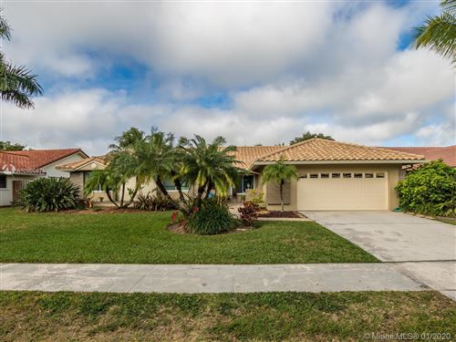 Photo of Listing MLS a10805576 in 5561 Hawkes Bluff Ave Davie FL 33331