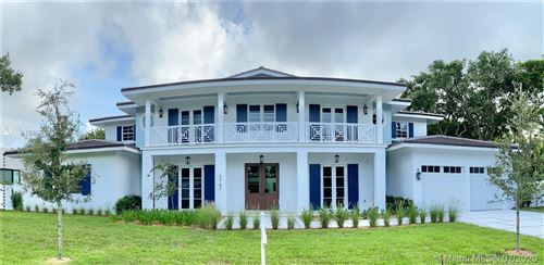 Photo of Listing MLS a10896576 in 5747 SW 82nd St South Miami FL 33143