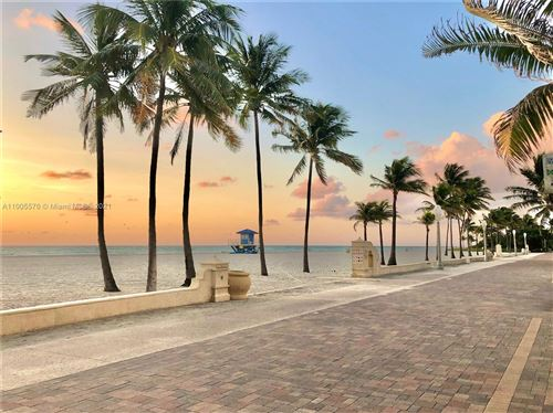 Photo of Hollywood, FL 33019 (MLS # A11005576)