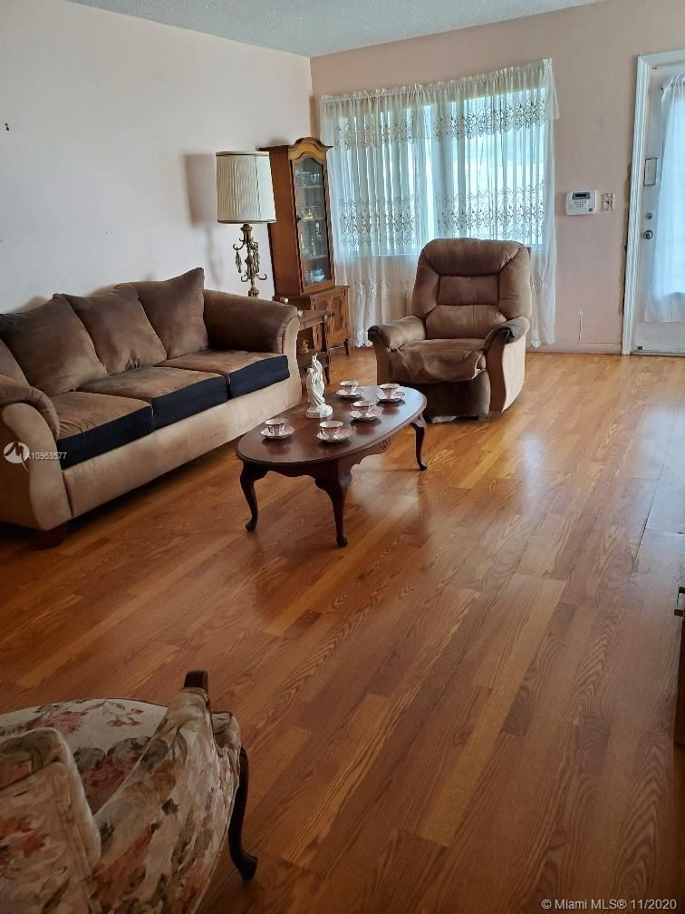 Photo of 800 SW 11th Ave #11A, Hallandale Beach, FL 33009 (MLS # A10963577)