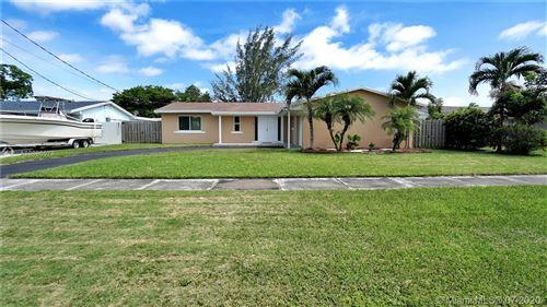 Foto de inmueble con direccion 10420 SW 198th St Cutler Bay FL 33157 con MLS A10886578