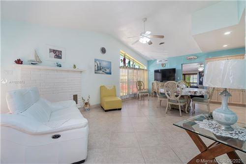 Photo of 301 E 41st St, Hialeah, FL 33013 (MLS # A11025578)