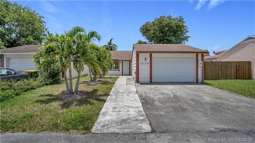 Photo of Listing MLS a10858580 in 1334 S Quetzal Ct Homestead FL 33035