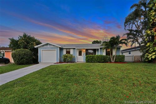 Photo of 14096 Marrian Ave, Jupiter, FL 33458 (MLS # A11066581)
