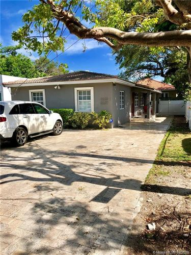 Photo of 3227 Oak Ave #3227, Miami, FL 33133 (MLS # A10816583)