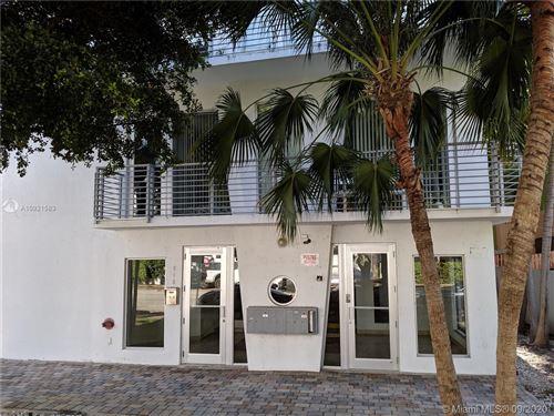 Foto de inmueble con direccion 945 Michigan Ave #1 Miami Beach FL 33139 con MLS A10921583