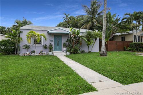Photo of 3911 SW 58th CT, Miami, FL 33155 (MLS # A11099584)