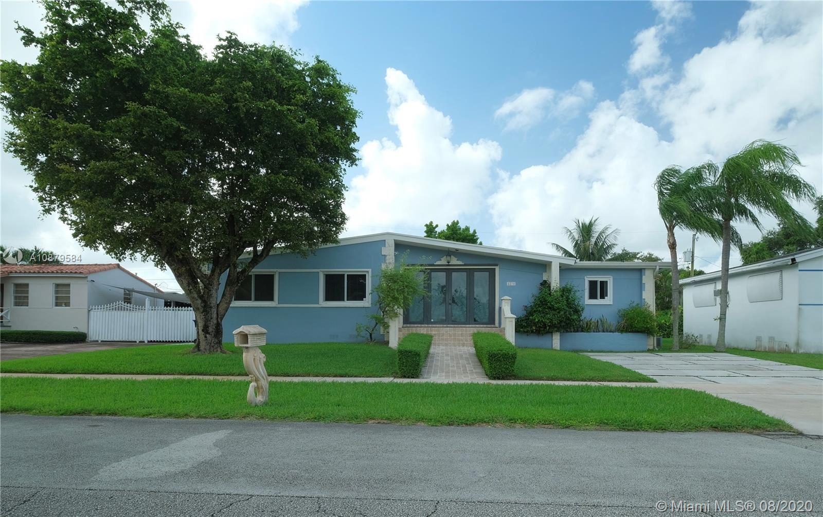 8270 SW 30th St, Miami, FL 33155 - #: A10879584
