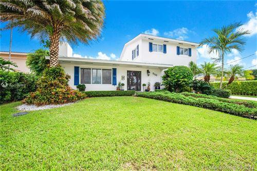 Photo of 5131 SW 87th Ave, Miami, FL 33165 (MLS # A11096585)