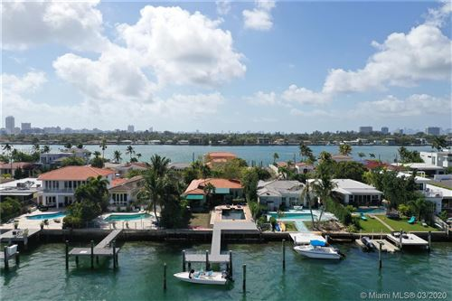 Foto de inmueble con direccion 1501 Stillwater Dr Miami Beach FL 33141 con MLS A10824587