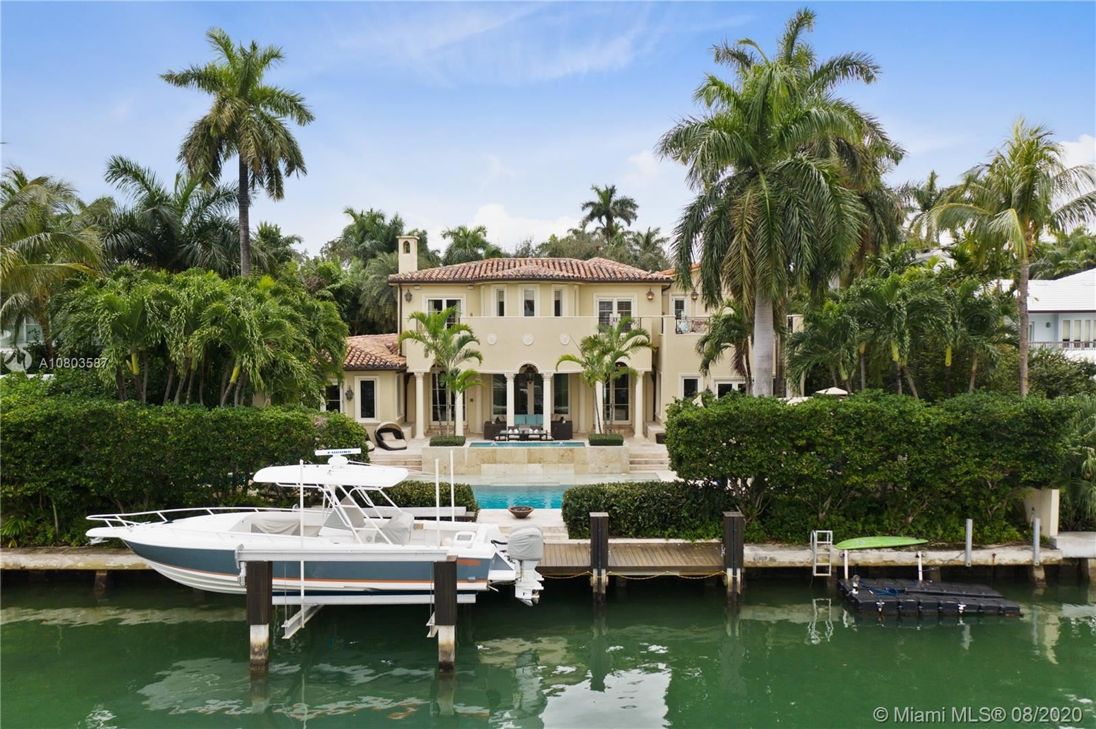 Photo 1 of Listing MLS a10803587 in 1511 W 27th St Miami Beach FL 33140