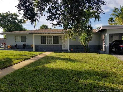 Photo of 451 SW 38th Ave, Fort Lauderdale, FL 33312 (MLS # A10775589)