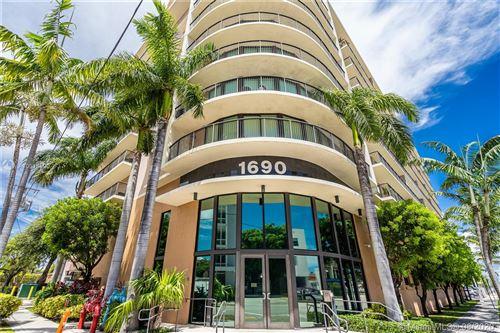 Foto de inmueble con direccion 1690 SW 27th Ave #807 Miami FL 33145 con MLS A10914590
