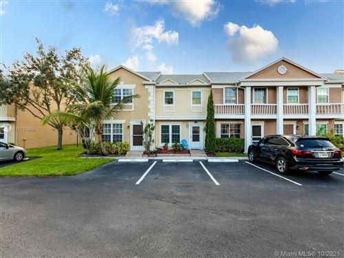 Photo of 2904 S Edgehill Ln, Cooper City, FL 33026 (MLS # A11105590)