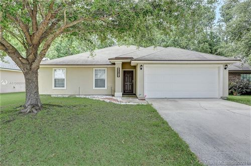 Photo of 1560 Backwater Dr, MIDDLEBURG, FL 32068 (MLS # A11060591)