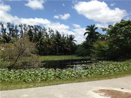 Photo of Listing MLS a10840592 in 5020 SW 70th ave Davie FL 33314
