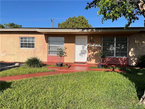 Photo of 2431 SW 127th Ct, Miami, FL 33175 (MLS # A11014592)