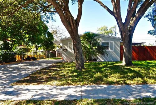Photo of Listing MLS a10809593 in 1310 N 68th Ter Hollywood FL 33024