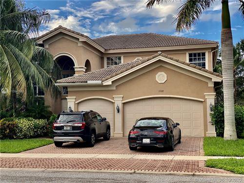 Photo of 11145 Sunset Ridge Cir, Boynton Beach, FL 33473 (MLS # A10947593)
