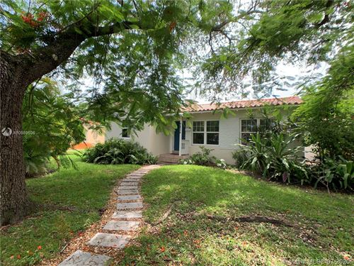 Photo of Listing MLS a10889596 in 9826 NW 1st Ave Miami Shores FL 33150