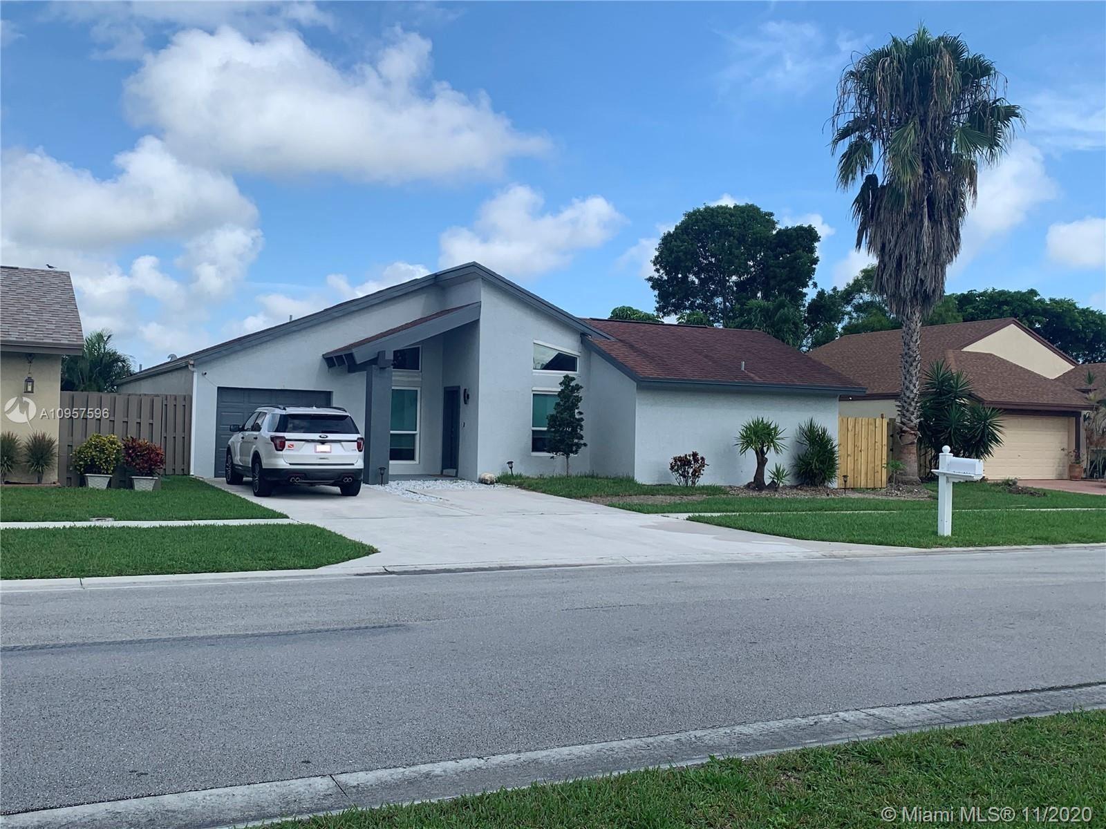 21601 Woodstream Ter, Boca Raton, FL 33428 - #: A10957596