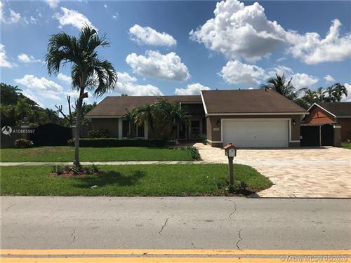 Foto de inmueble con direccion 13300 SW 79th St Miami FL 33183 con MLS A10863597
