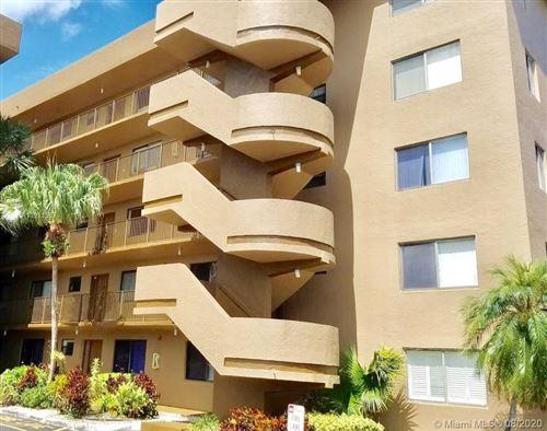 Foto de inmueble con direccion 8020 Hampton Blvd #202 North Lauderdale FL 33068 con MLS A10911597