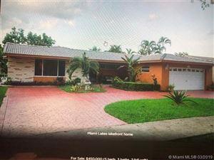 Foto de inmueble con direccion 14412 Rosewood Rd Miami Lakes FL 33014 con MLS A10636598