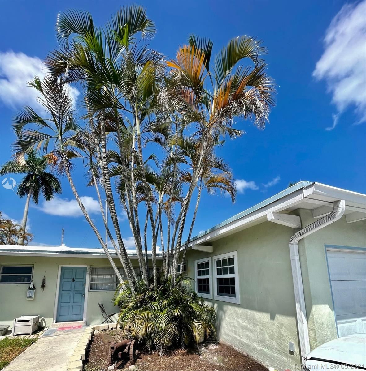Photo of 2425 Bimini Ln, Fort Lauderdale, FL 33312 (MLS # A11094600)