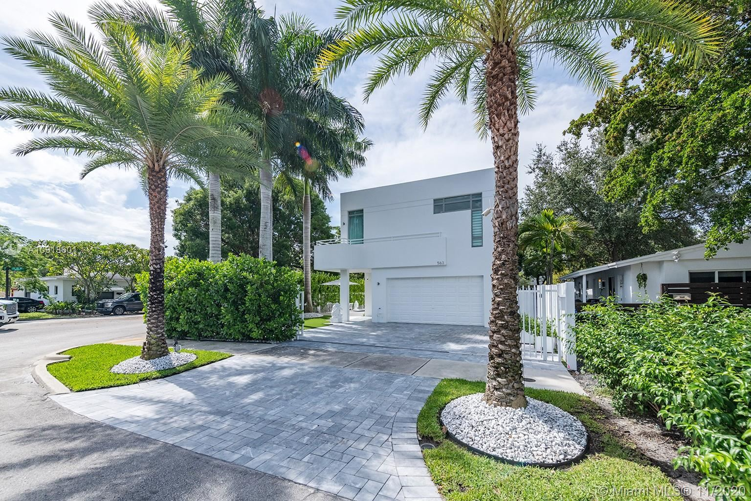 Photo of 563 NE 15th Ave, Fort Lauderdale, FL 33301 (MLS # A10918601)