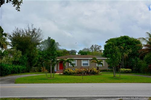 Foto de inmueble con direccion 13125 NW 2nd Ave North Miami FL 33168 con MLS A10818602