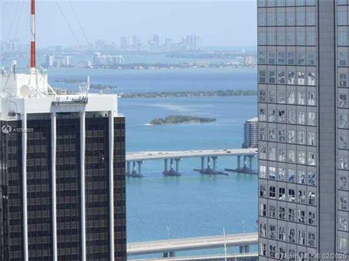 Foto de inmueble con direccion 485 BRICKELL AV #4902 Miami FL 33131 con MLS A10745603