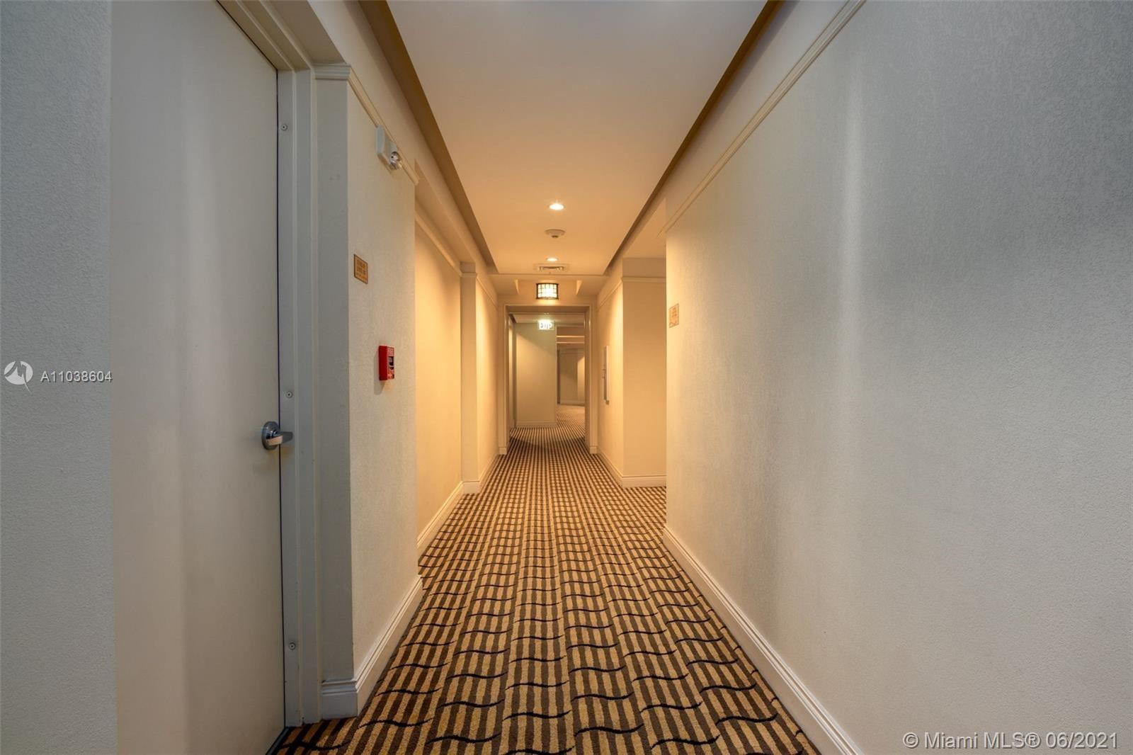 Photo of 801 Brickell Key Blvd #907, Miami, FL 33131 (MLS # A11038604)