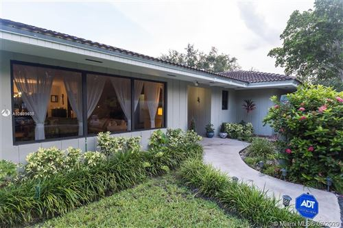Photo of Listing MLS a10899608 in 7740 SW 175th St Palmetto Bay FL 33157