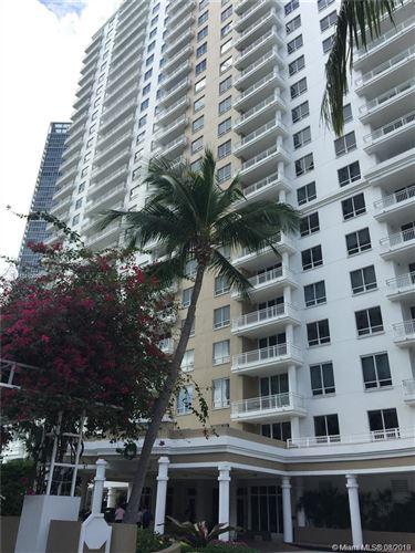 Foto de inmueble con direccion 801 Brickell Key Blvd #1008 Miami FL 33131 con MLS A10719610