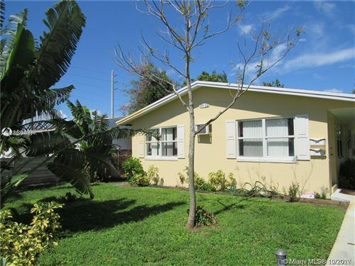 Foto de inmueble con direccion 330 SW 15th St Dania Beach FL 33004 con MLS A10934610