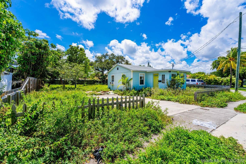 Photo of 109 SW 10th St, Hallandale Beach, FL 33009 (MLS # A10929611)