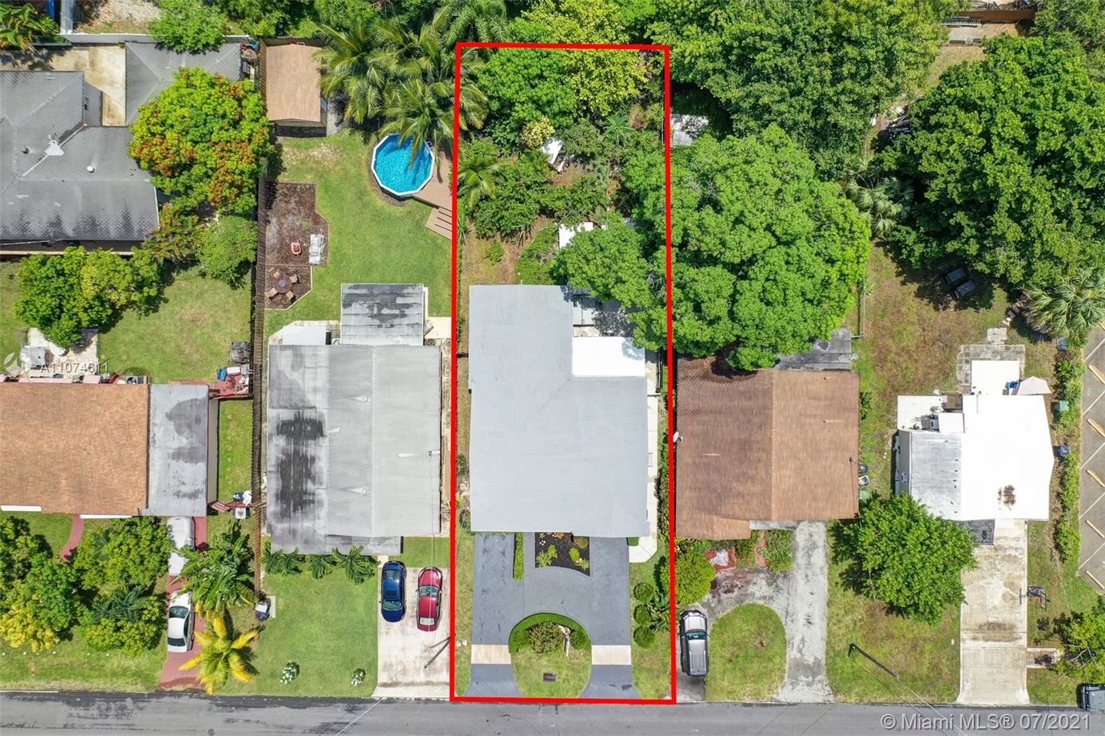 Photo of 213 SW 2nd Ave, Hallandale Beach, FL 33009 (MLS # A11074611)