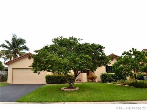 Photo of 516 NW 104th Ter, Plantation, FL 33324 (MLS # A11063613)
